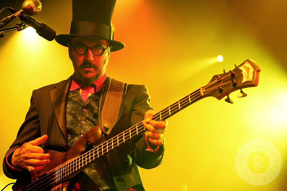 10 Top Bass Playing Tips with Les Claypool - Guitar com