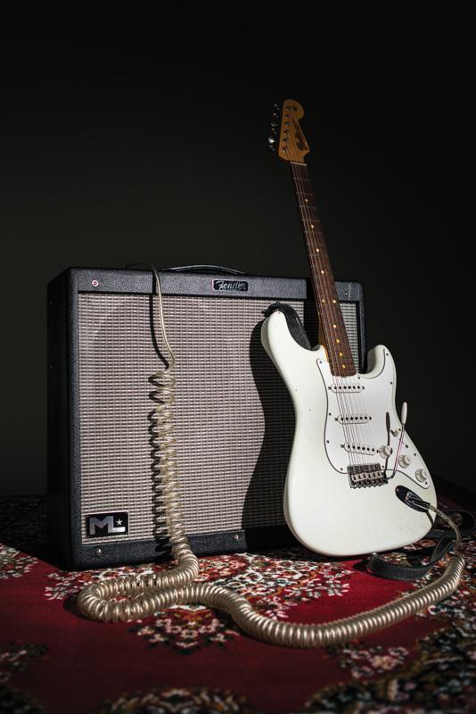fender hot rod deville ml 212 review all things guitar. Black Bedroom Furniture Sets. Home Design Ideas