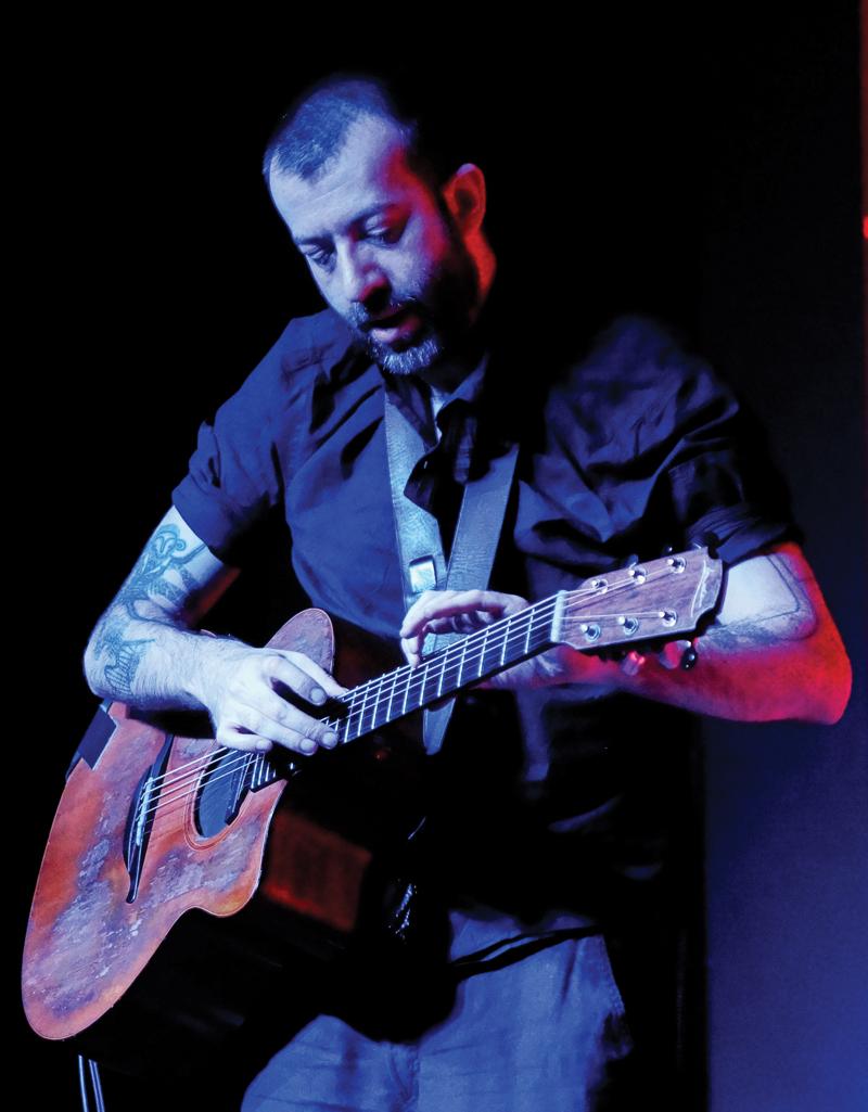Jon_Gomm_live_2015_photo_by_David_Galbraith_(1)