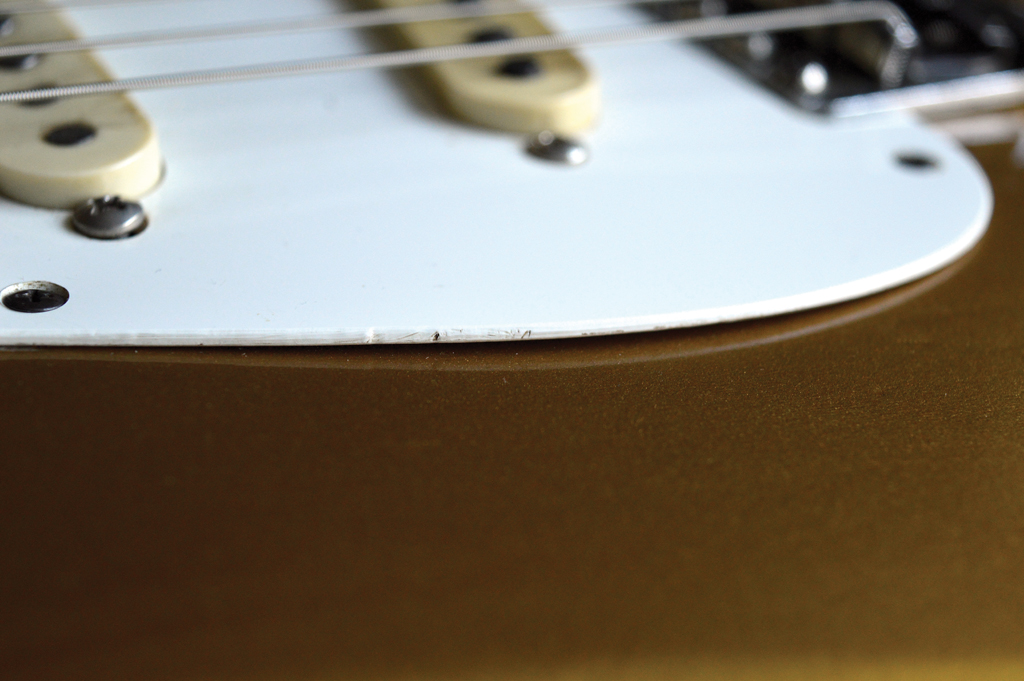 Pic 16 - Pickguard edge 2