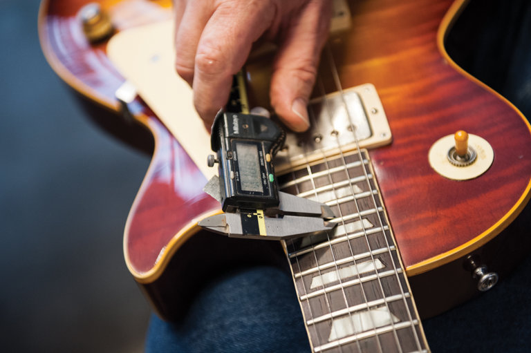 gibson-custom-behind-the-scenes-29