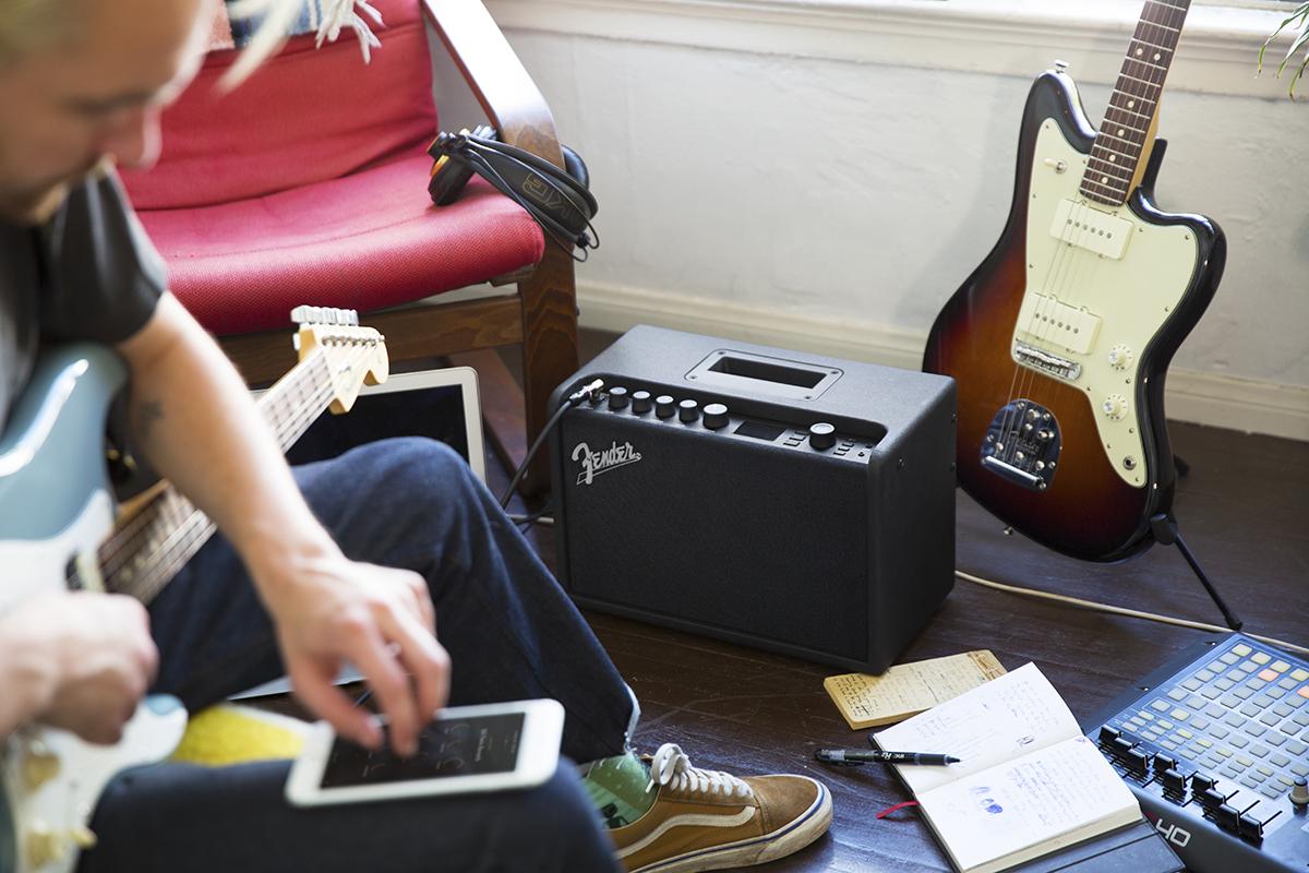 Kết quả hình ảnh cho Fender Mustang GT 40