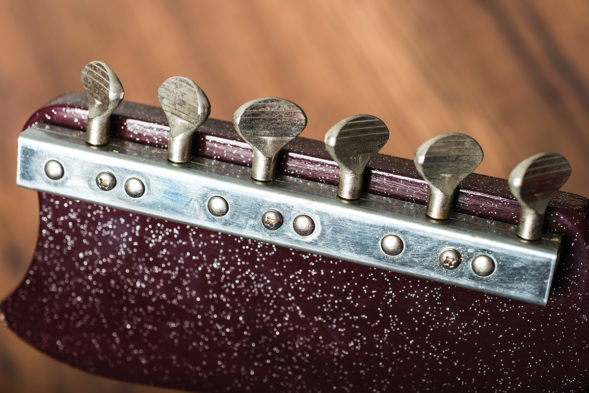 Vintage Bench Test Silvertone 1457 Two For One All Mark Tremonti Prs Wiring Diagram The Circuit Is A Fairly Simple Single Ended Affair With Smallest Output Transformer Weve Ever Seen But Theres Onboard Tremolo Speed And Strength