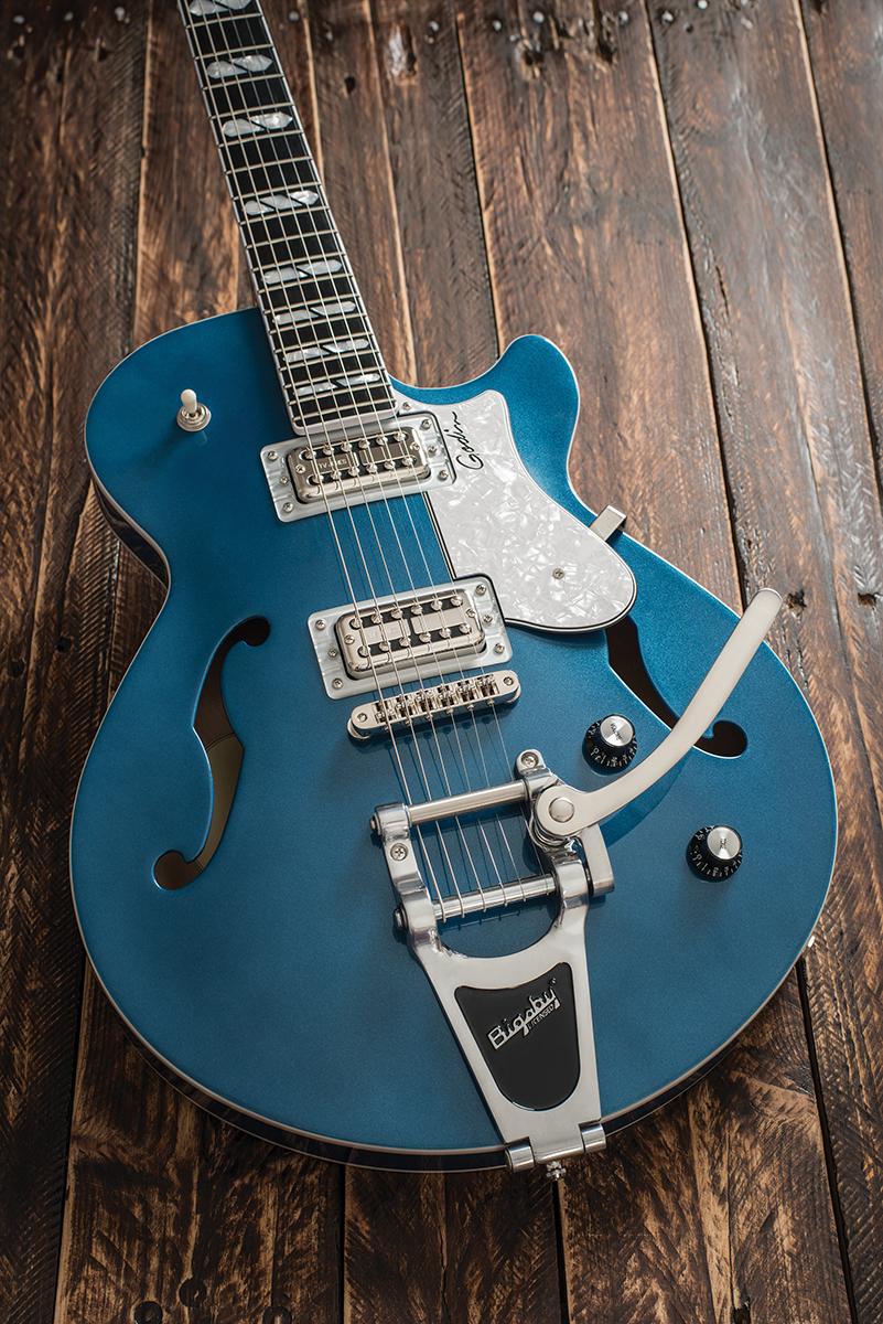 godin montreal premiere ltd the guitar magazine the guitar magazine. Black Bedroom Furniture Sets. Home Design Ideas