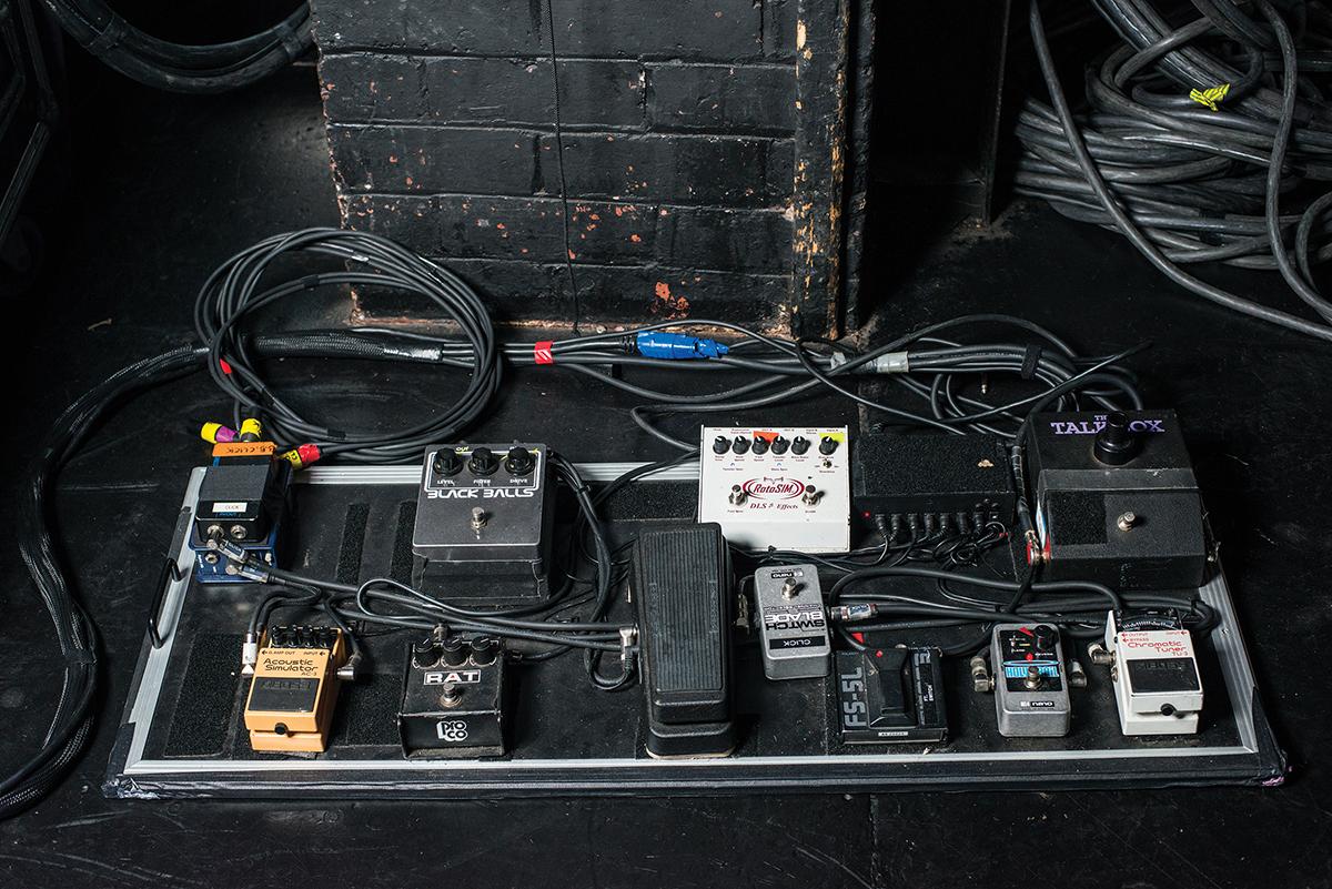 Interview: Weezer - Keep Fishin\' - The Guitar Magazine | The Guitar ...