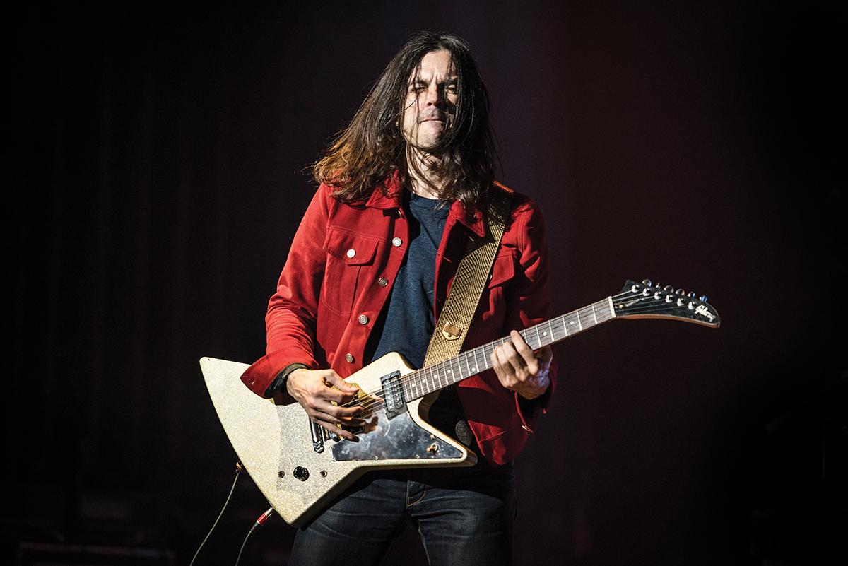 Interview Weezer Keep Fishin The Guitar Magazine The Guitar