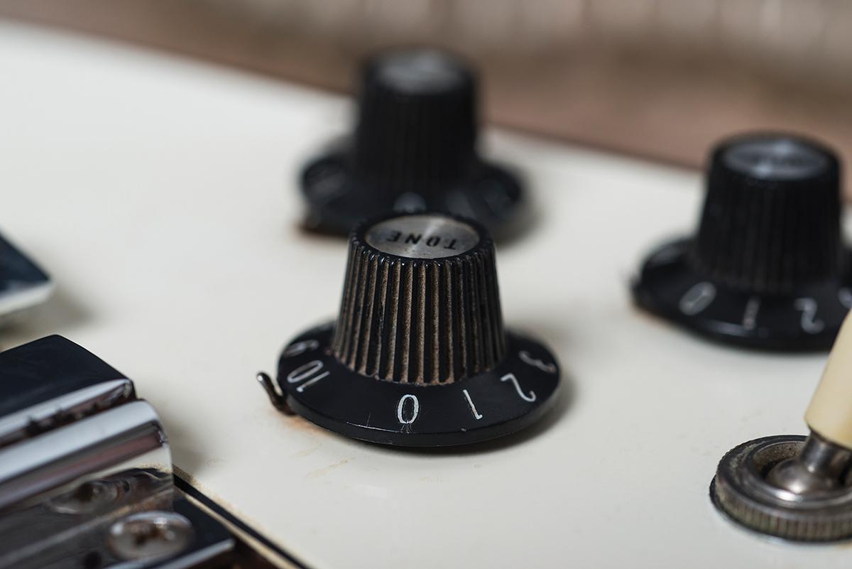 gibson flying v vintage knobs