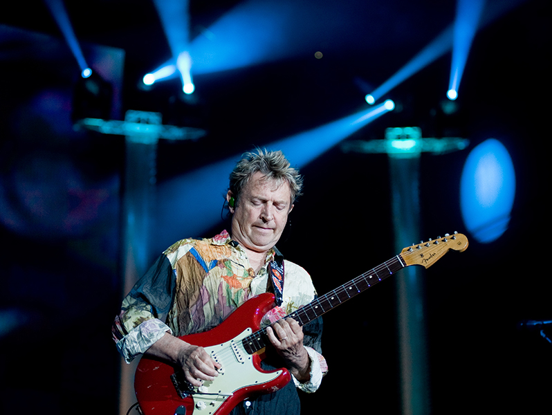 Andy Summers live