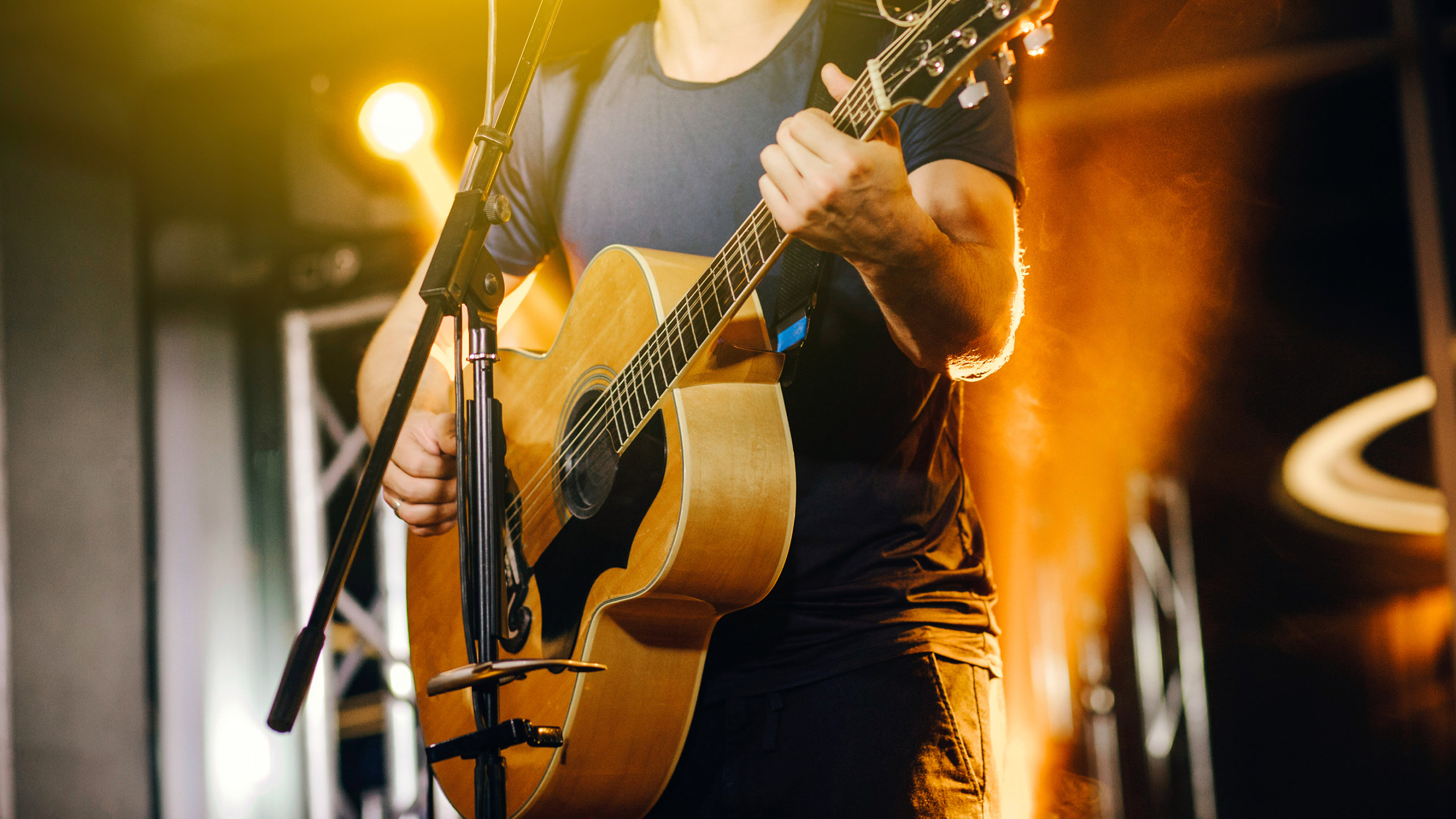 How to choose and buy an acoustic guitar
