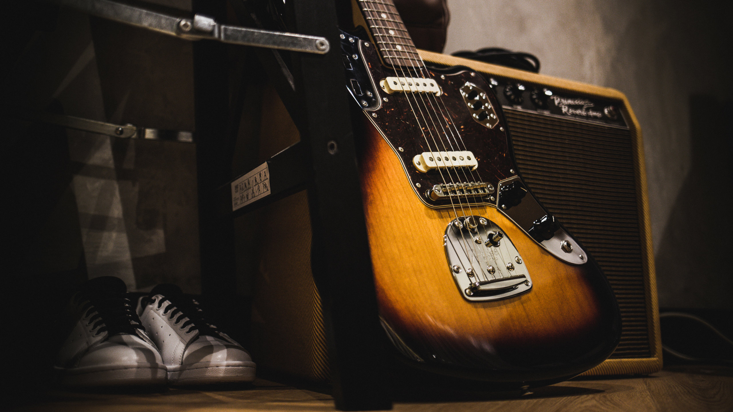 How to choose and buy an electric guitar