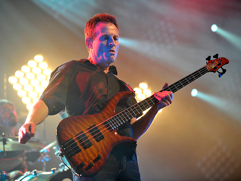 John Paul Jones Them Crooked Vultures live bass