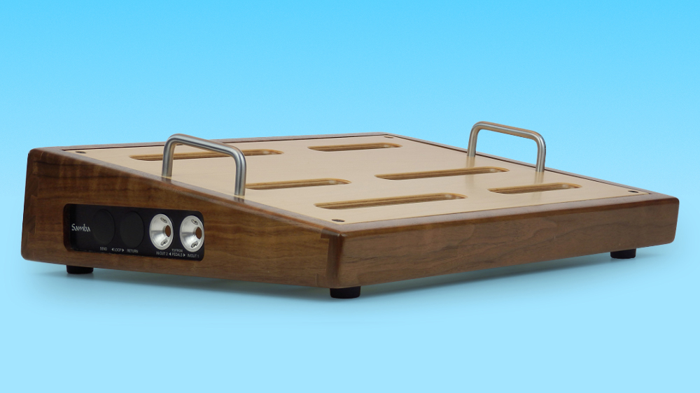 Samba builds handsome pedalboards out of solid wood