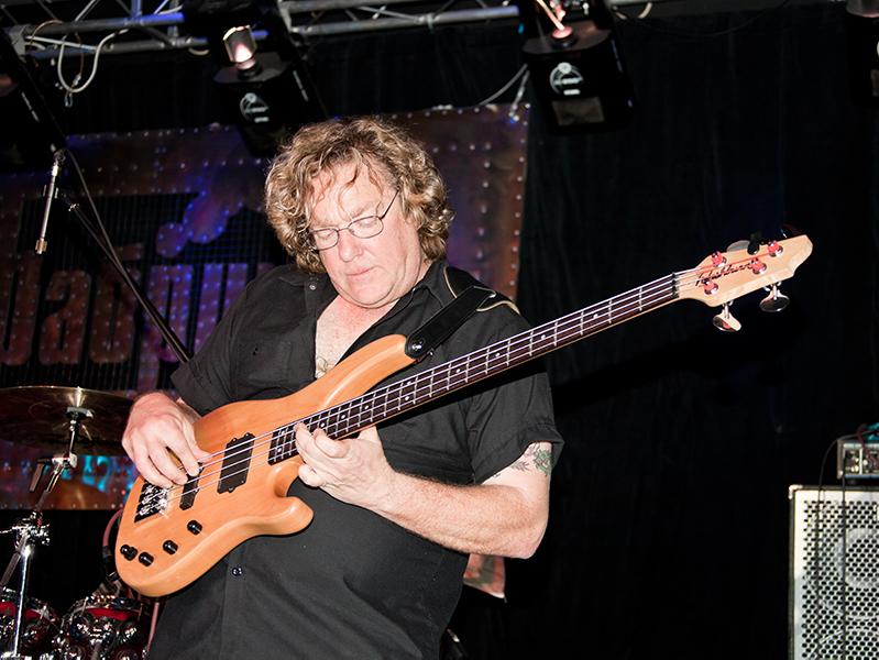 Stu Hamm bass