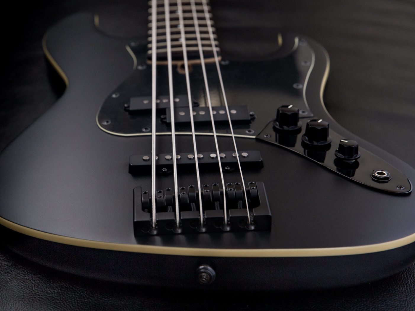 Jericho Guitars releases the Alpha 5