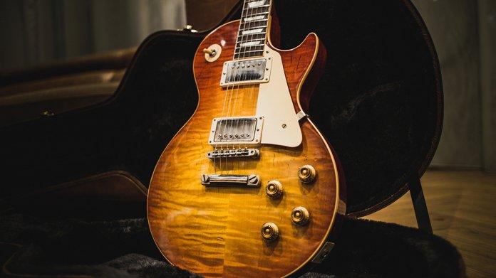 Best electric guitars under $500 Les Paul