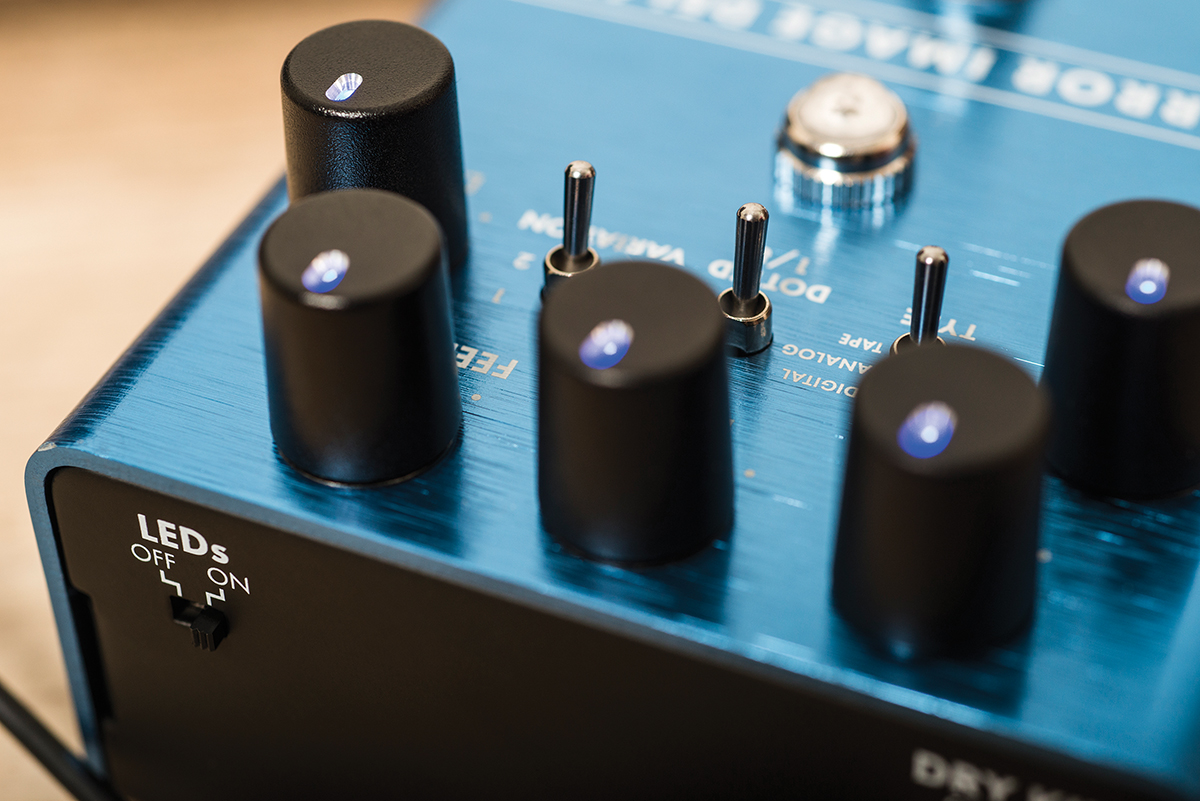 Fender Effects Pedals The Guitar Magazine Dictionary Of Electronic And Engineering Terms Audio Mixer Circuit Were Pleased To See That Bends Follows Current Trend Letting You Mix Some Your Untreated Signal Into Compressed Tone