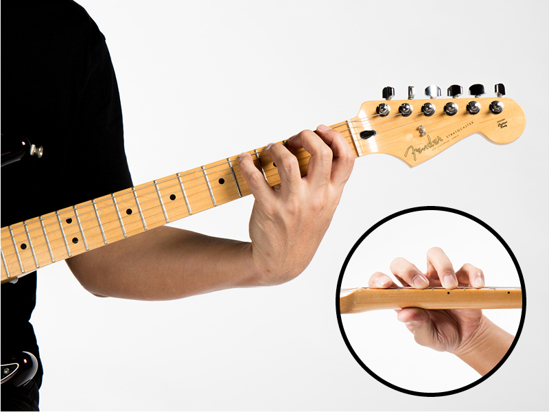 Guitar technique four finger chromatic