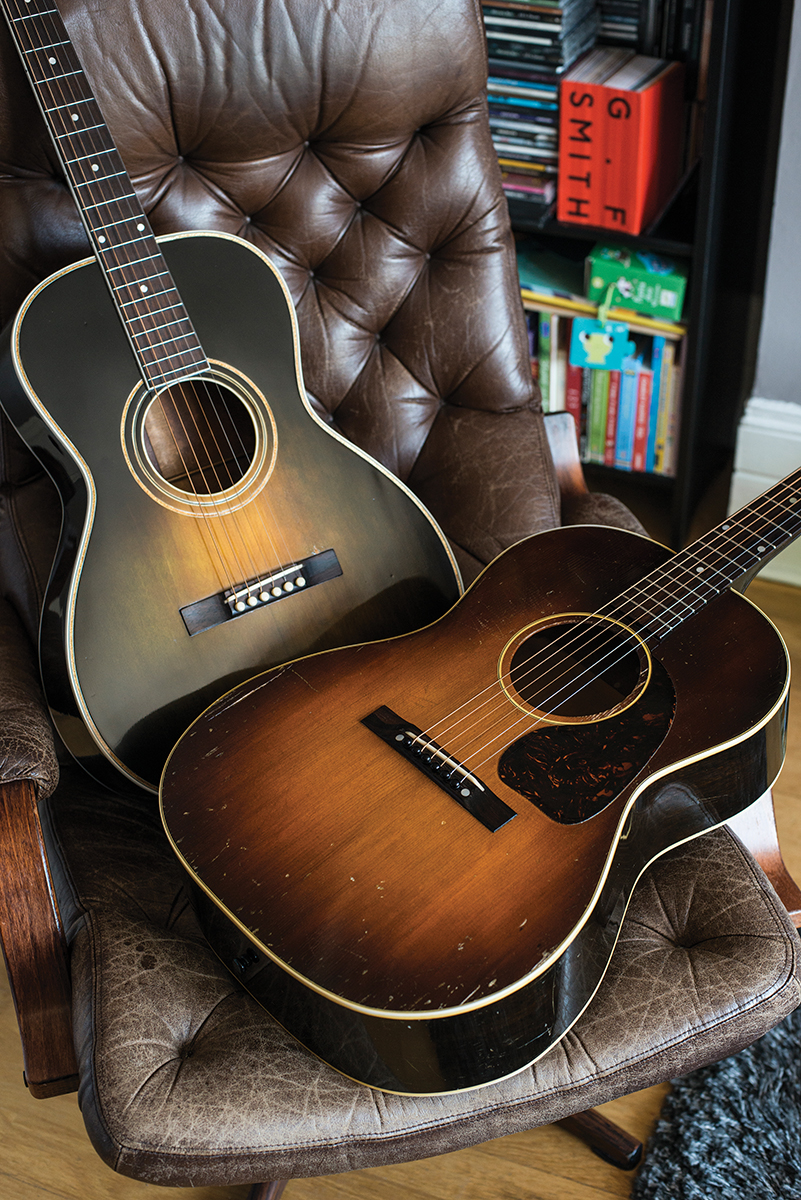 Gibson LG2 from 1946 cosies up with a 1930 Gibson L2 in Argentine Grey