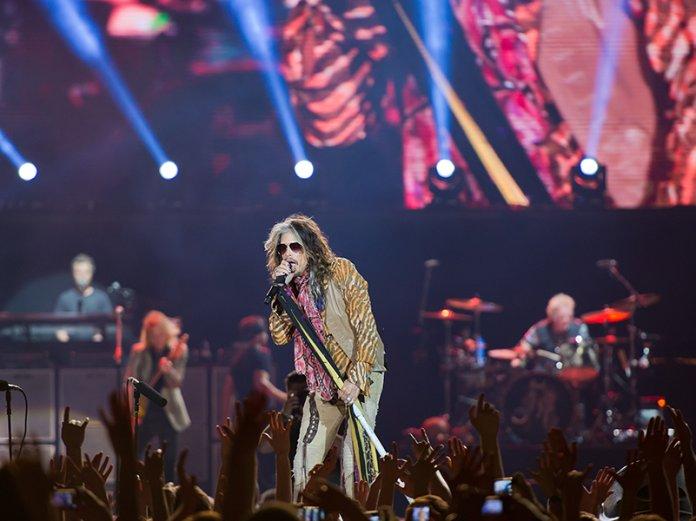 Aerosmith Steven Tyler live concert