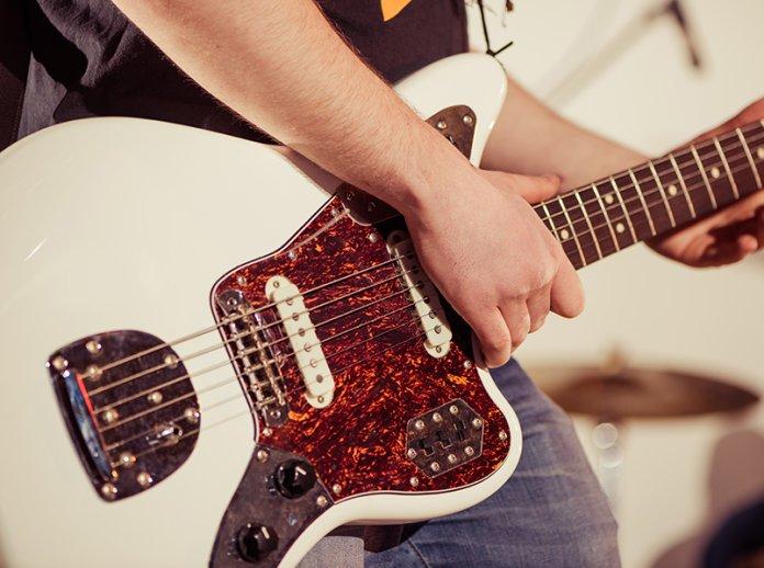 Fender jaguar best offset guitars under 1000