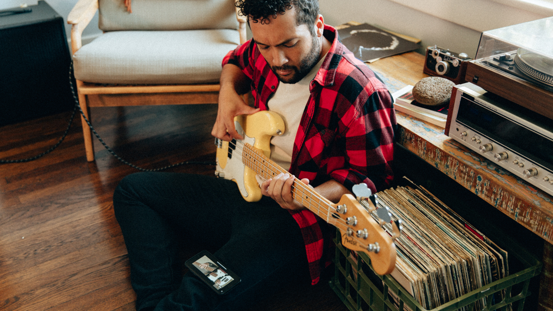 Fender expand Fender Play platform with bass lessons