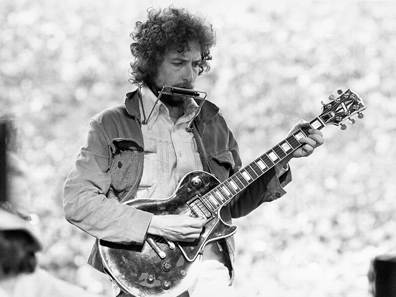 Bob Dylan unveils new 'Blood on the Tracks' box set