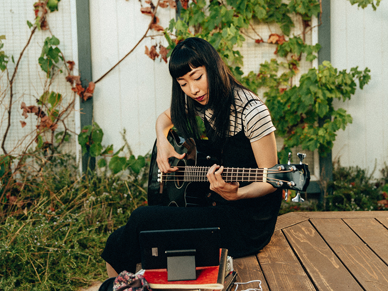 Women account for 50% of new guitarists, says Fender