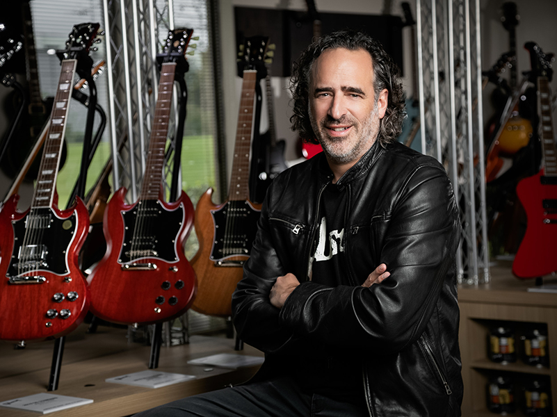 Who is the new Gibson CEO, James 'JC' Curleigh?