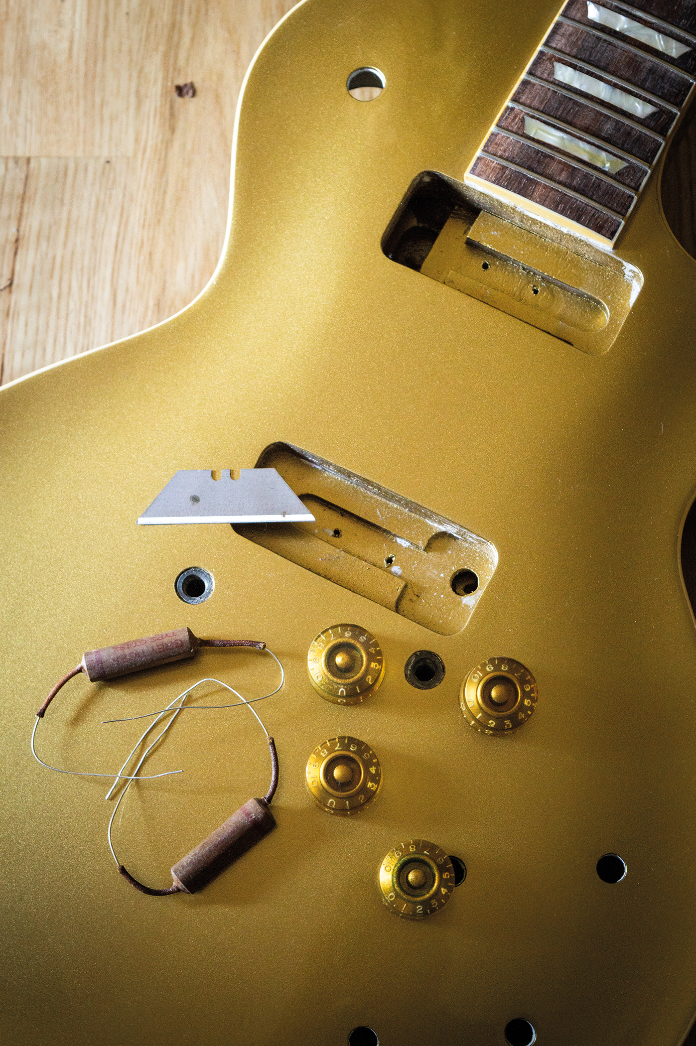 DIY Workshop: Greco to Les Paul Goldtop conversion (Part Seven)