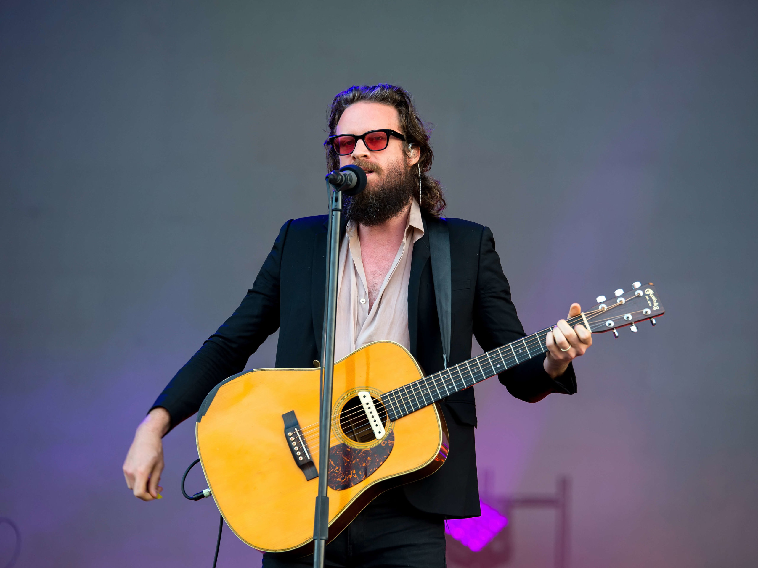 Father John Misty performs new tune at benefit concert