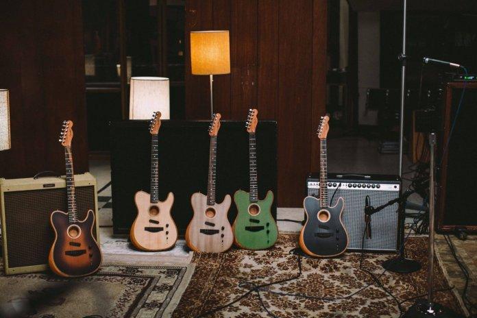 Fender 2019 Acoustasonic Series