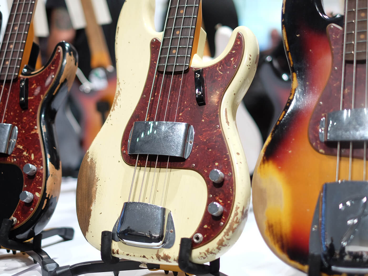 Heavy Relic 1960 Precision Bass, Aged Vintage White