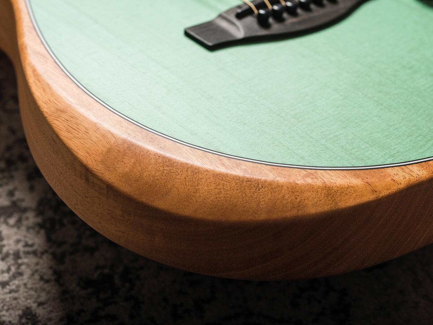 Fender American Acoustasonic contour