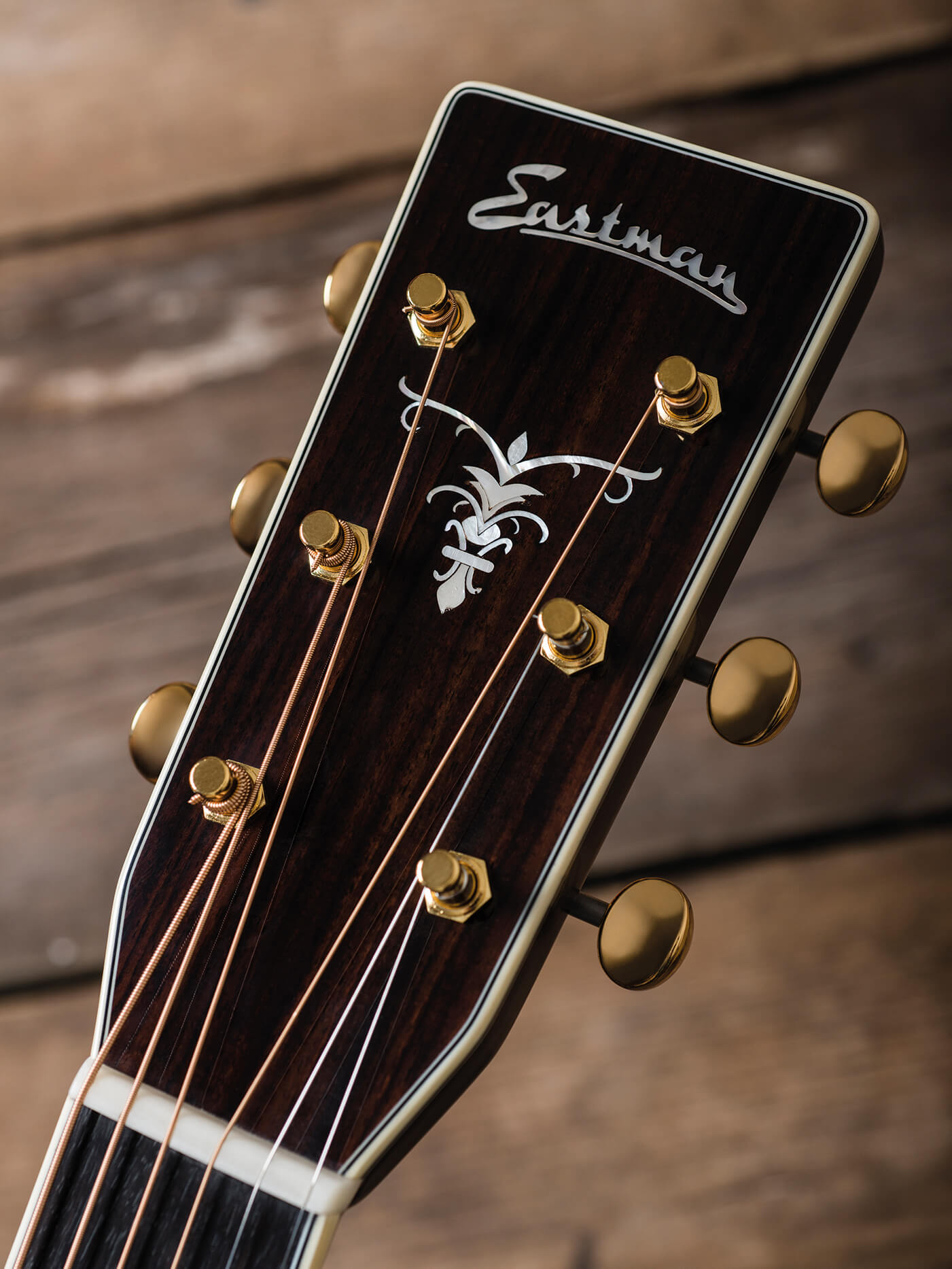 Eastman double top review headstock