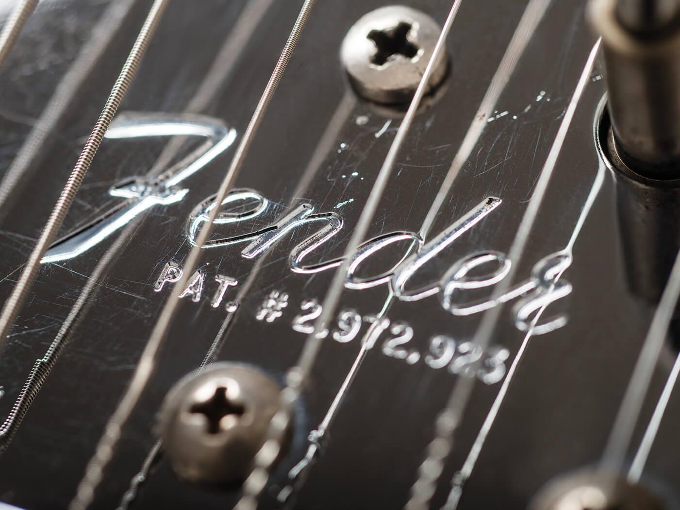 Fender 1966 Jazzmaster Ocean Turquoise tuners