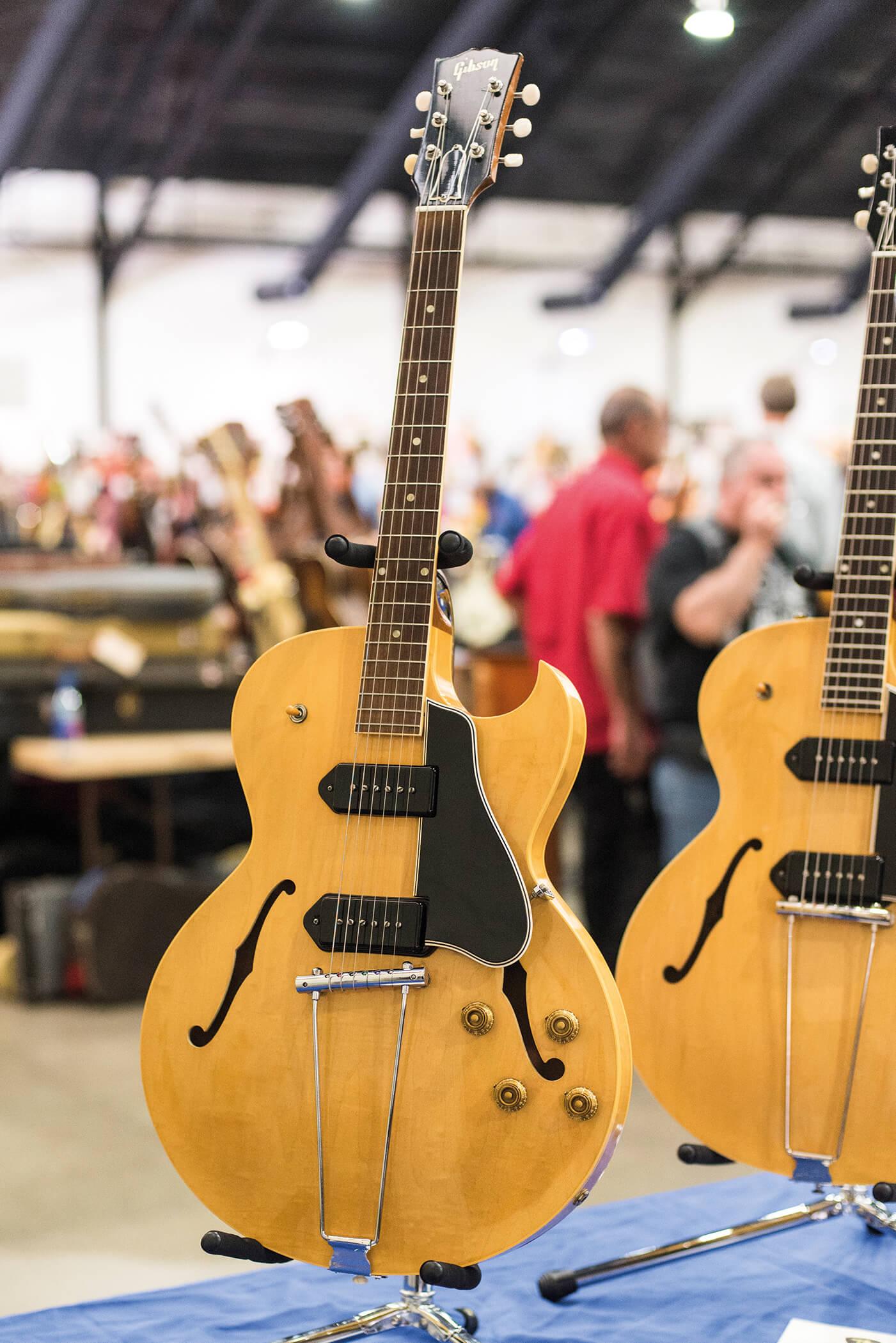 Costa Mesa Show Gibson ES-225