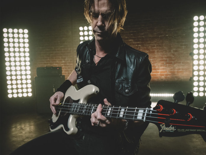 Interview Duff McKagan Fender Bass demo