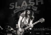 Interview Slash Apollo live black and white