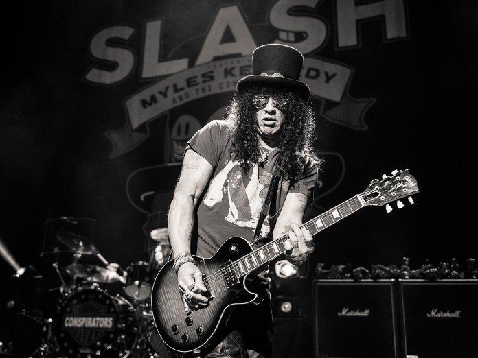 Interview Slash Apollo live black and white