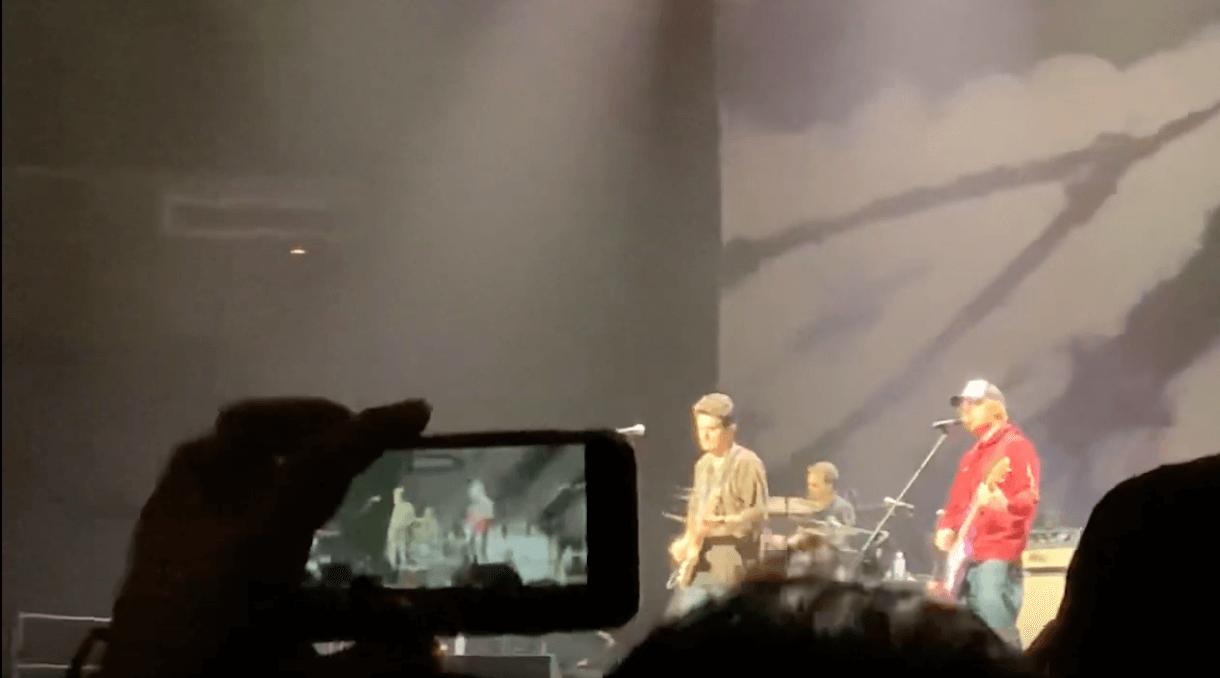 Watch John Mayer And Ed Sheeran Duel On Prs Silver Sky