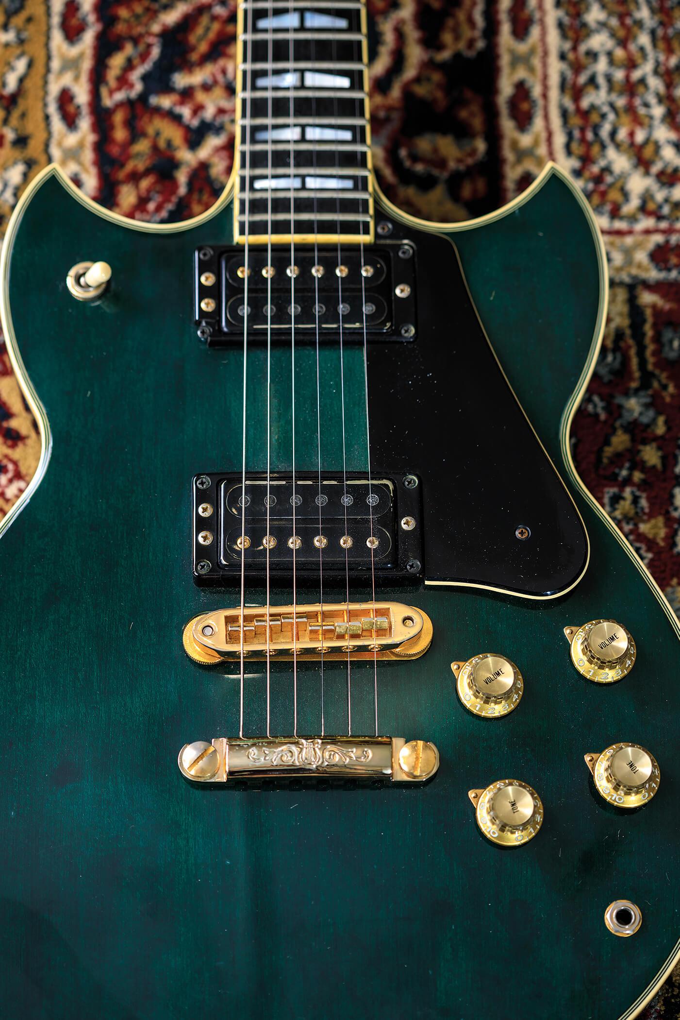 Collections Elite Vintage Guitars 1982 Yahama SG-2000S