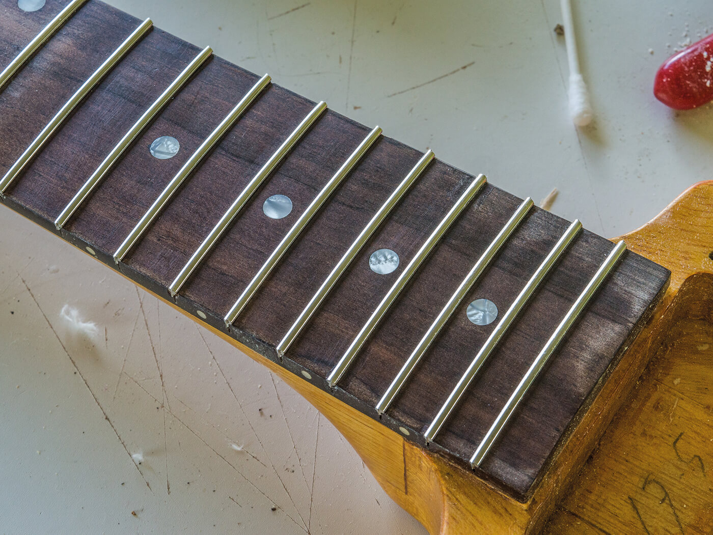 DIY Flying V 50s spec frets in
