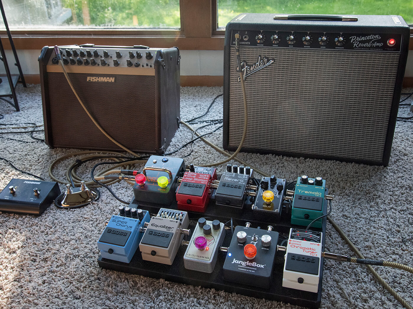 Mitchell Strauss pedalboard connected to amps