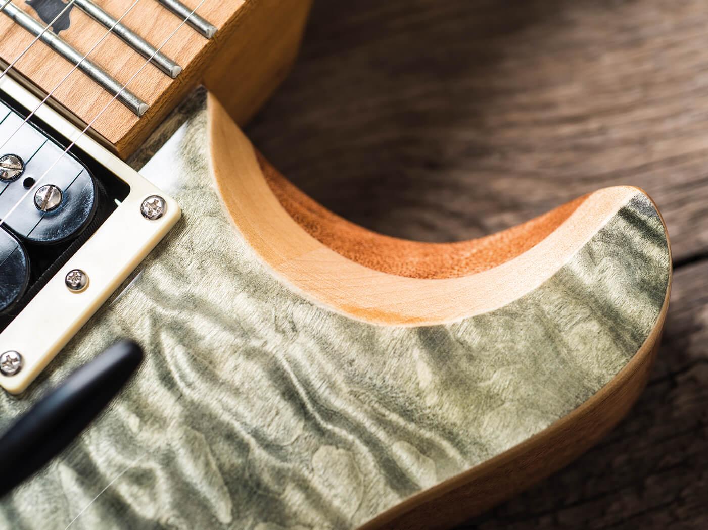 PRS SE Custom 24 Ltd Ed Roasted Maple Trampas Green quilted-maple veneer top