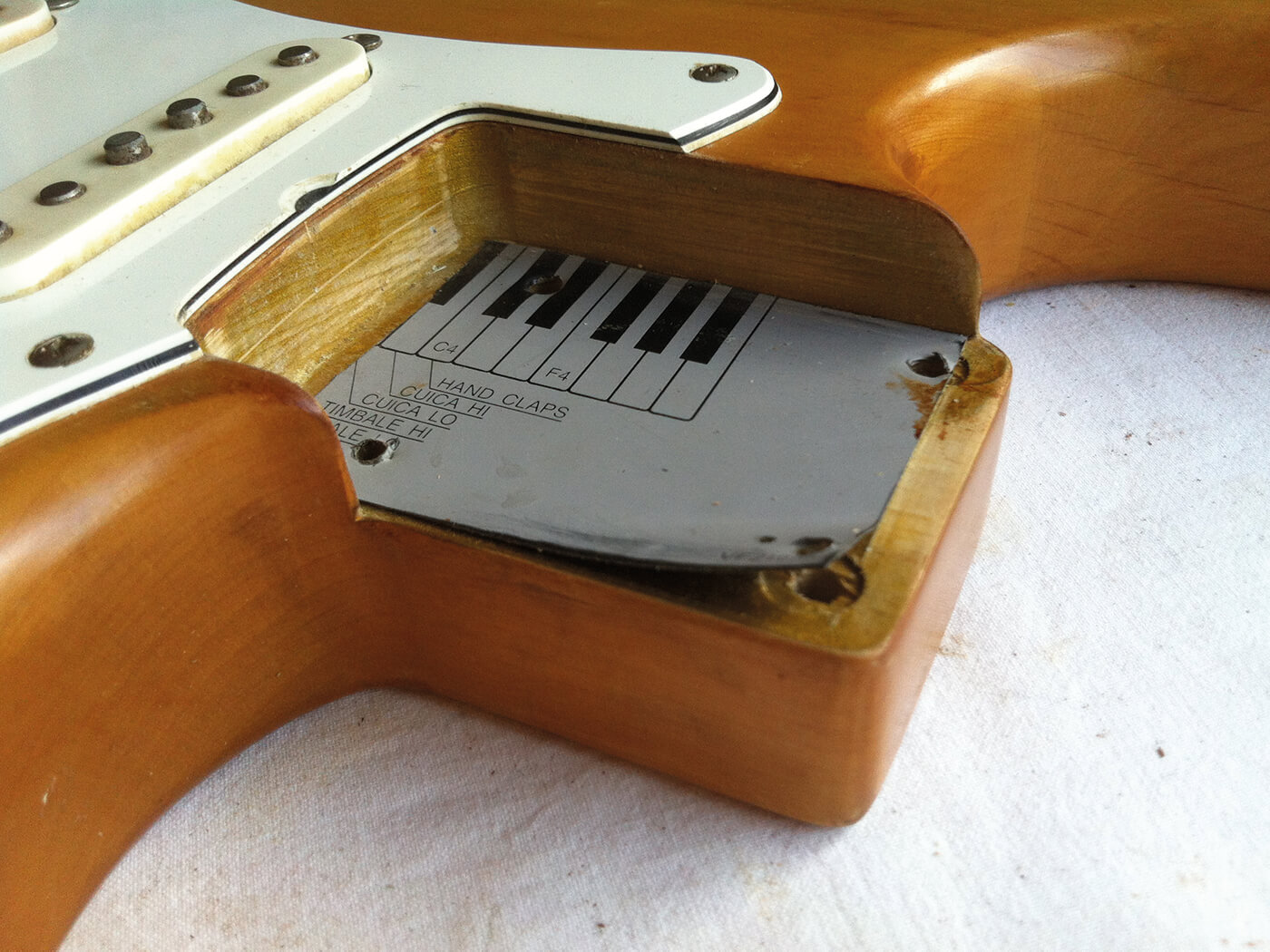 stratocaster neck pocket