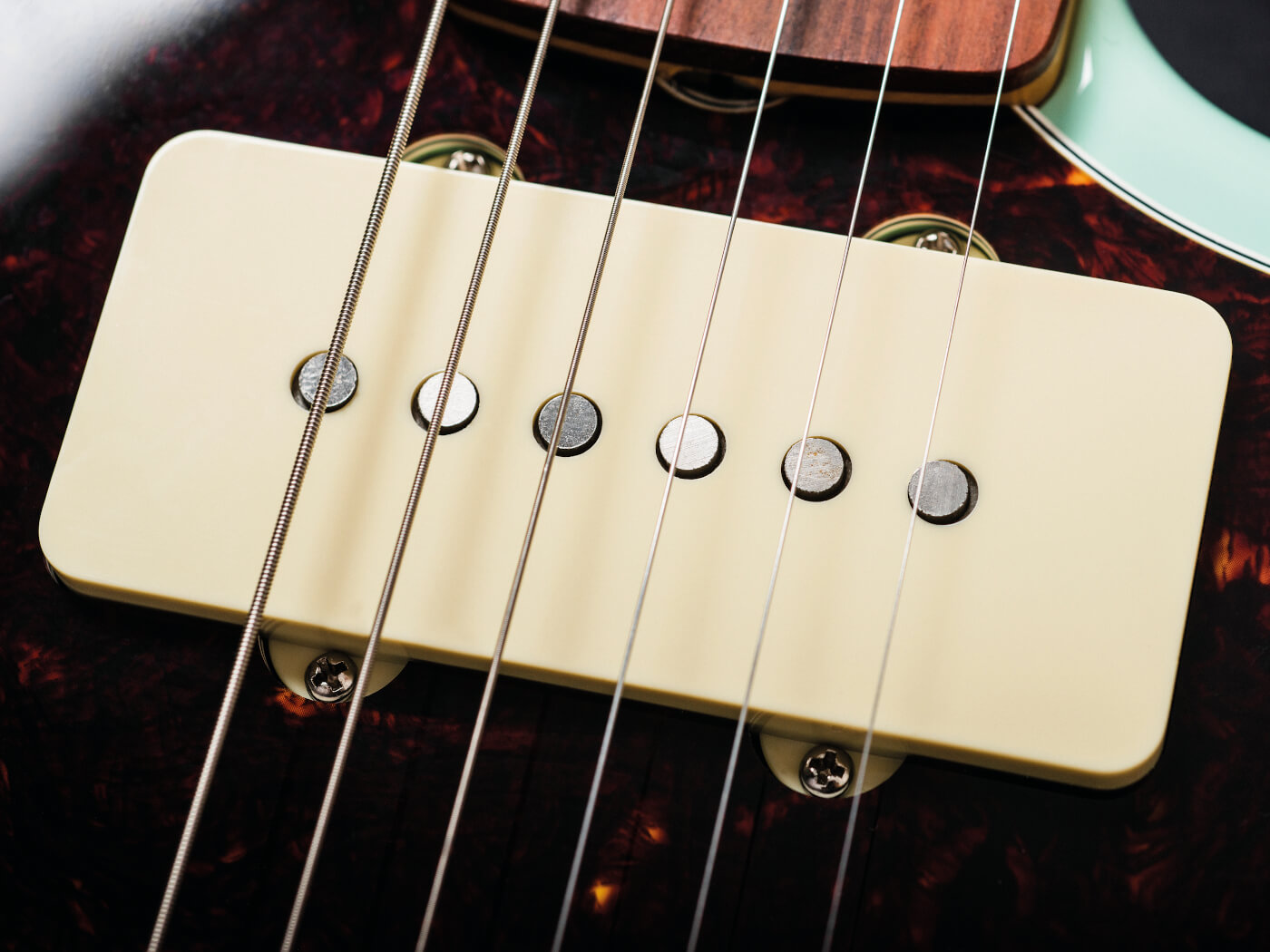 Fender Vintera 60s Jazzmaster humbucker close up