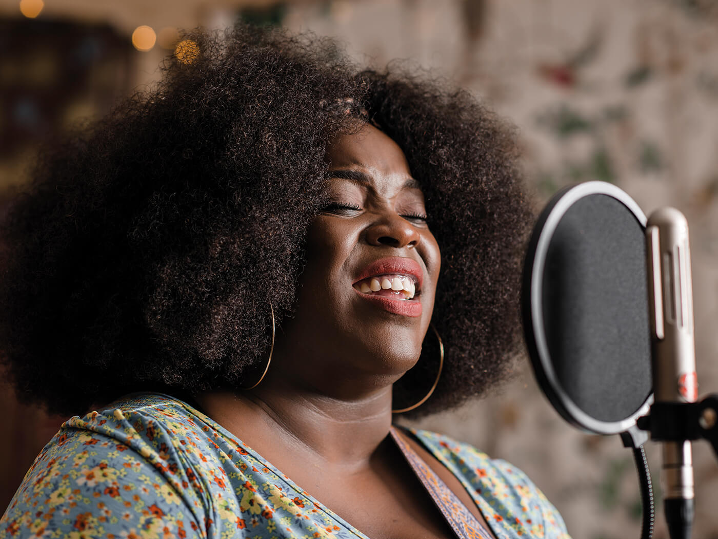 Yola on her journey from homelessness and poverty to writing an album with Dan Auerbach
