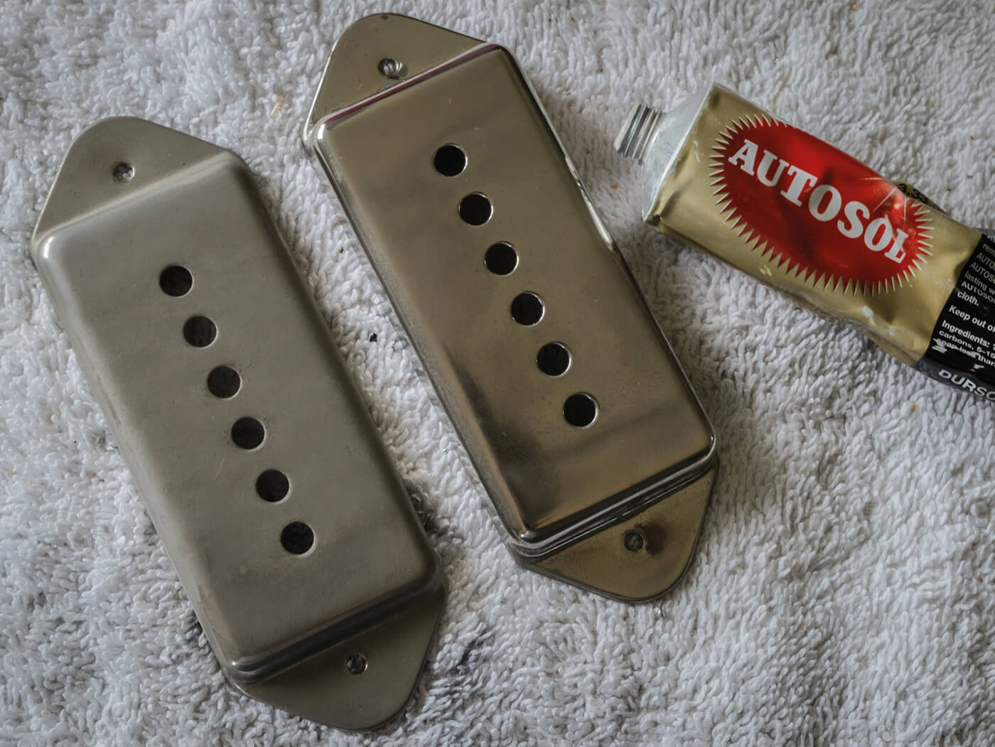 Gibson ES-330 pickup cover clean up
