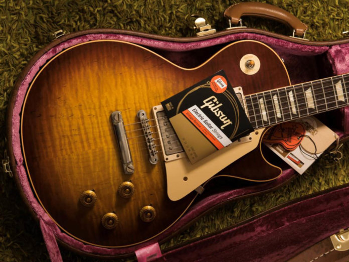 Gibson Vintage Reissue Strings style shot on les paul