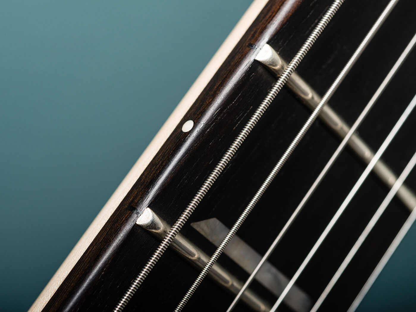 Chapman Guitars V2 ML2 Modern Standard fretboard radius close-up